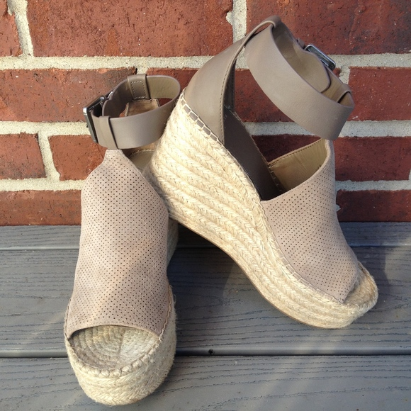 be96a7ff106b Marc Fisher Annie Perforated Espadrille Wedge. M 5a9aeb513b1608133350a7ab
